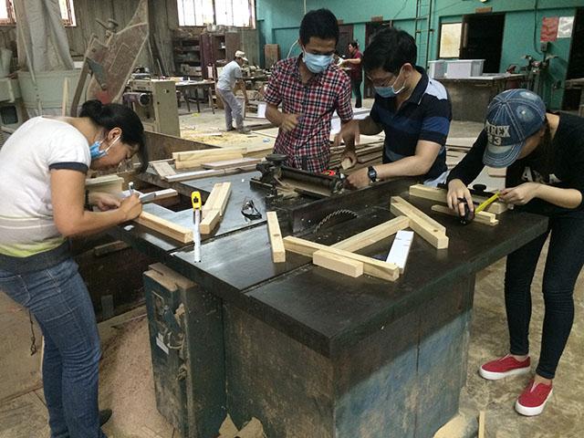 Lớp học và dạy nghề mộc tại  hồ chí minh
